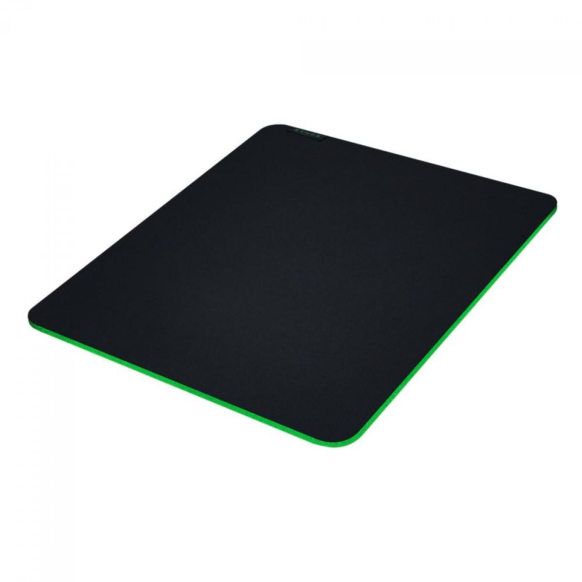 Mousepad Gamer Razer Gigantus V2, Control/Speed, Médio (360x275mm), RZ02-03330200-R3U1
